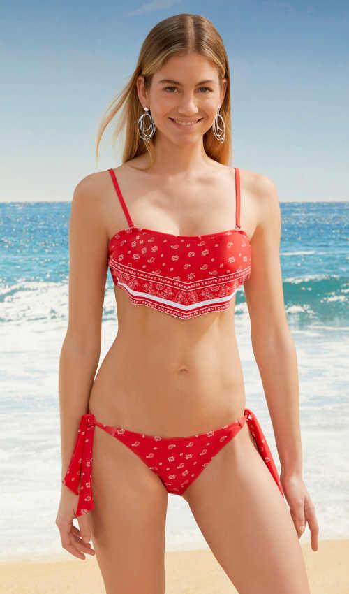 Divatos bikini eredeti szabással és különleges színkialakítással